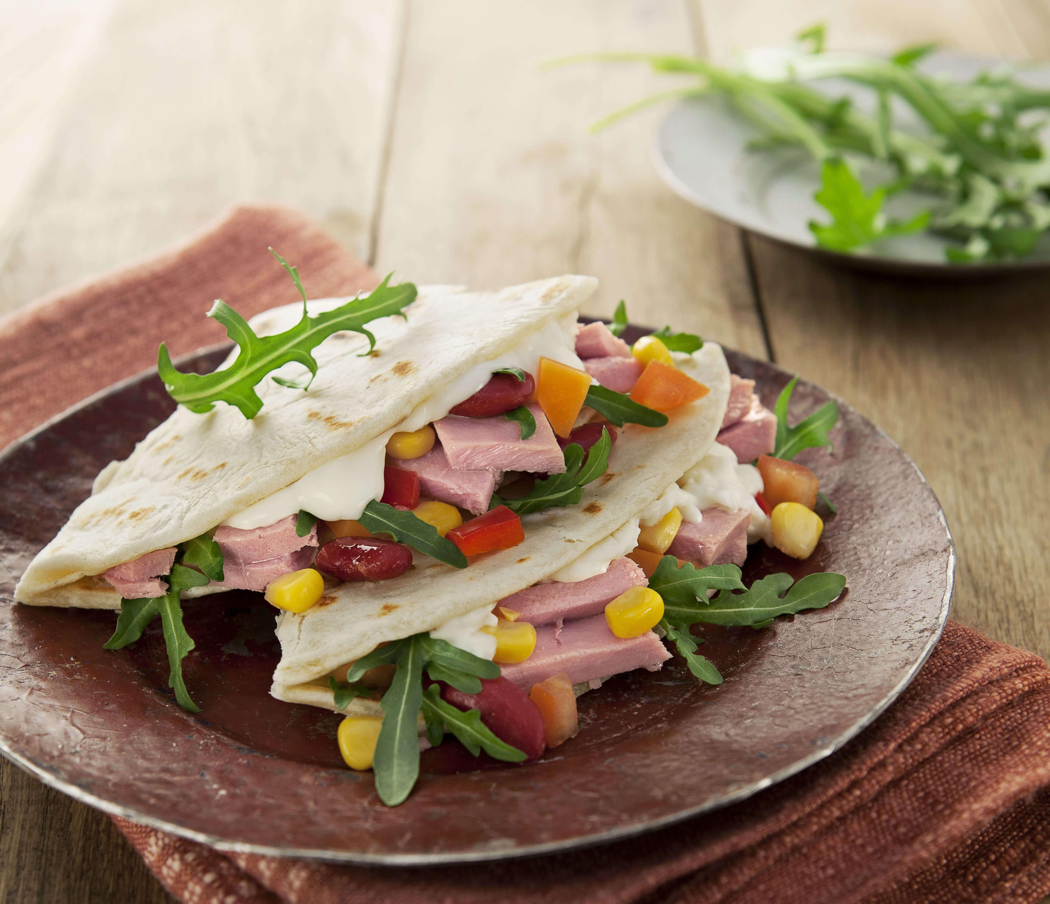 Piadina avec Insalatissime à la Mexicaine et fromage squacquerone