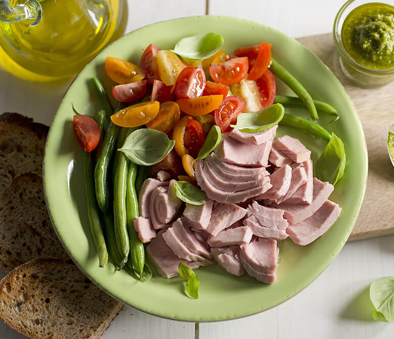 Basil Flavoured Tuna with Green Beans and Cherry Tomatoes