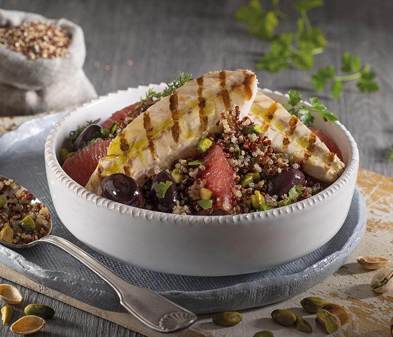 Salade aux filets de maquereaux, au quinoa et au pamplemousse